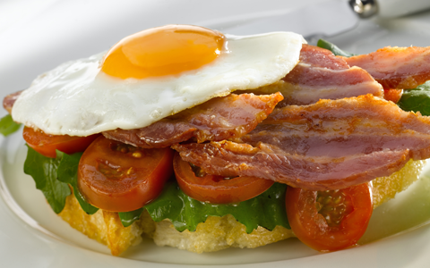 BLT-topped-with-an-egg2